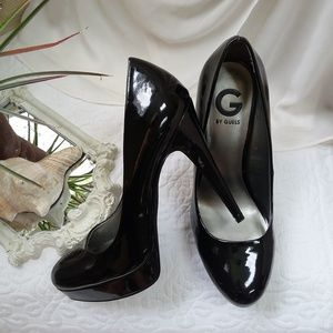 SEXY Black PATENT PUMP Stiletto HEEL SZ 9.5 Guess